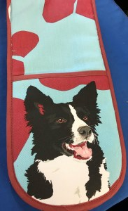 00465 Border Collie Double Oven Gloves 183 x 300